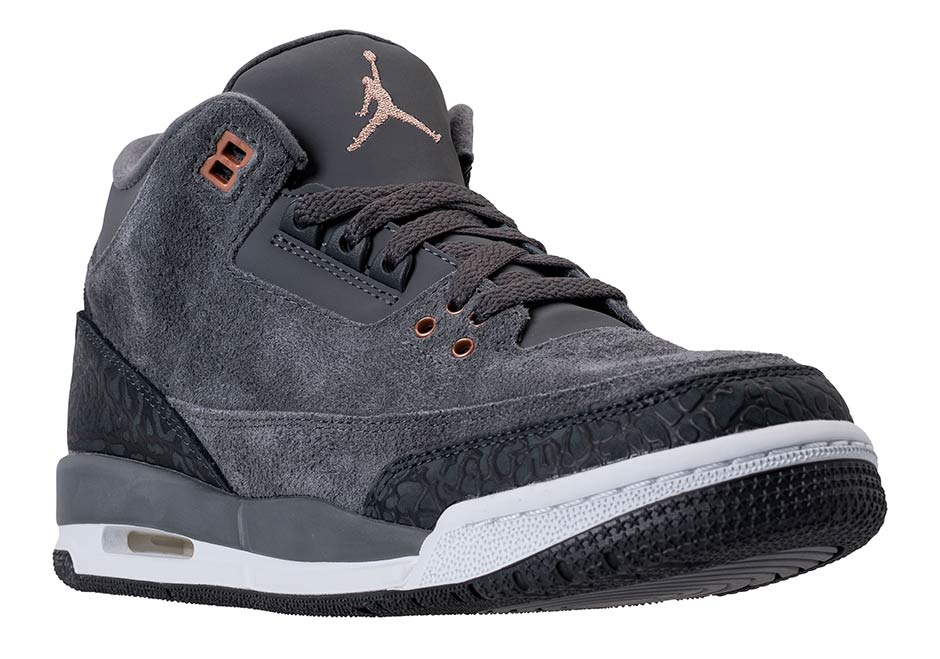 "Air Jordan 3 Colorway Resembling ""Fear Pack"" Releasing This Month"