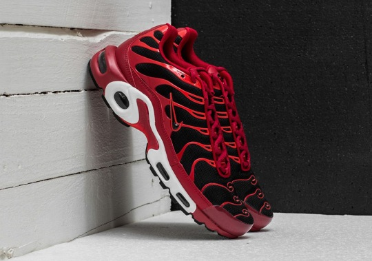 """Nike's Famed """"Chili"""" Colorway Appears On The Air Max Plus"""