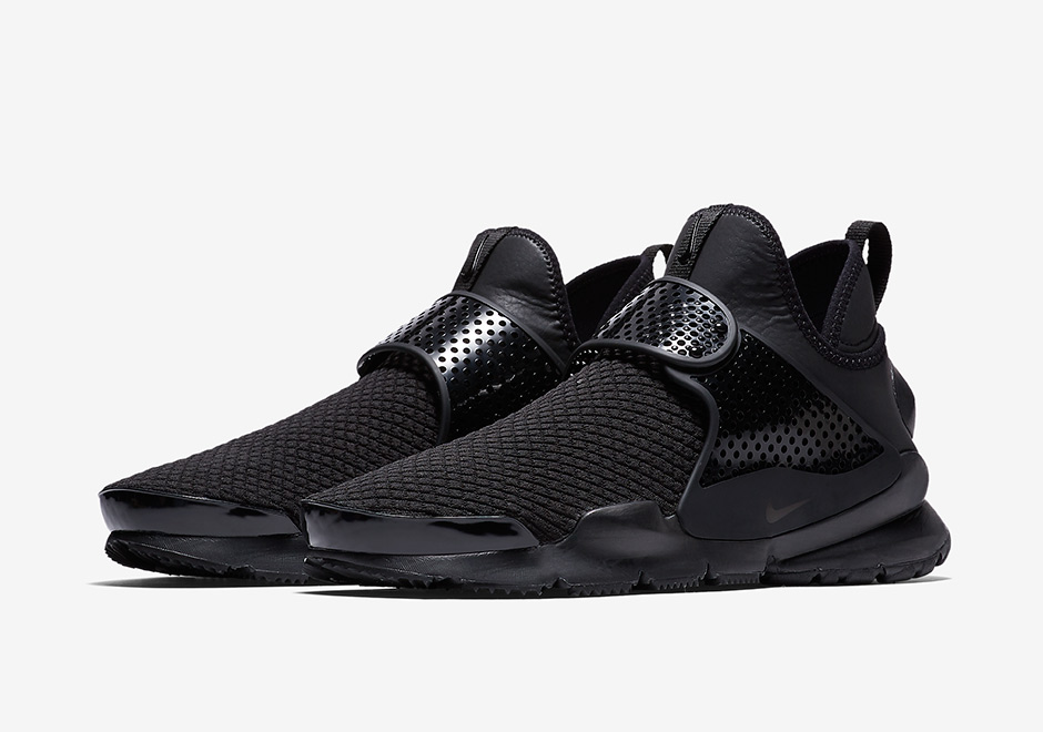 The Nike Sock Dart Mid Goes Triple Black