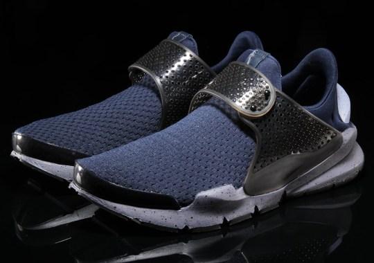The Nike Sock Dart SE Appears In Obsidian And Glacier Grey