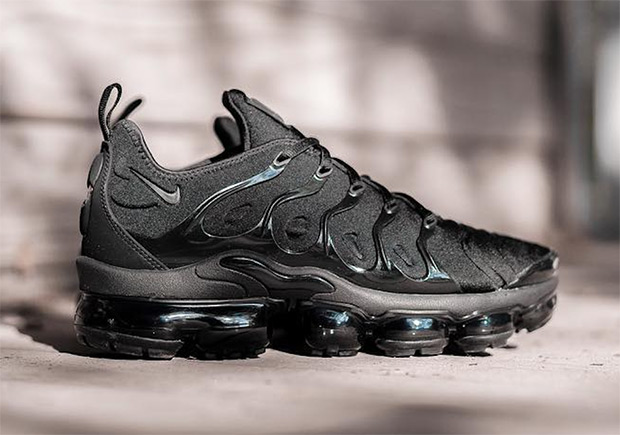hot sale online 12d25 fb4df Nike Vapormax Plus - Vapormax + Air Max Plus | SneakerNews.com