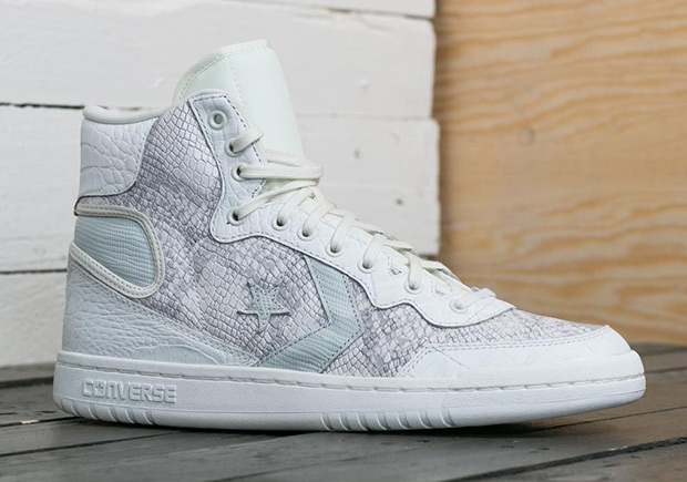 """The Converse Fastbreak silhouette remerged in 2017 as it released as a part  of the Air Jordan Converse collaboration for the Michael Jordan """"Love of  the ... 6c3b02ec3cb6"""