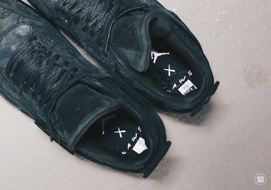 Ukulele Air Jordan 4 Kaws ifnKtA