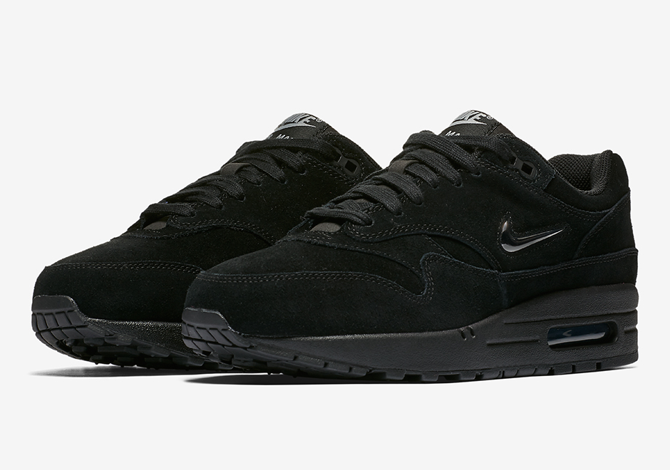 online store 31e9d 470f3 The Nike Air Max 1 SC Jewel Goes Triple Black