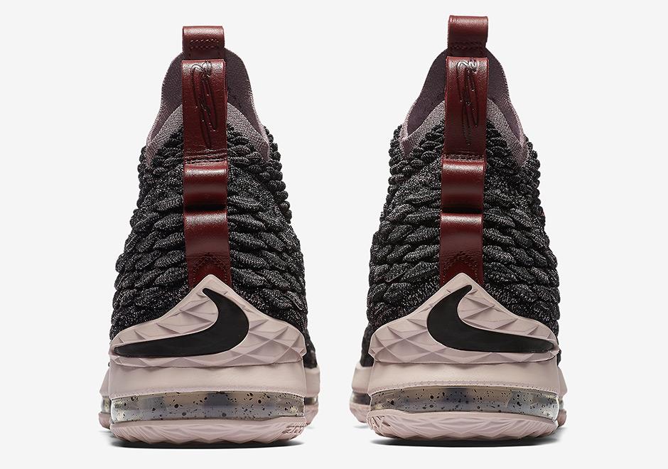 4cb2700bb64 Nike LeBron 15