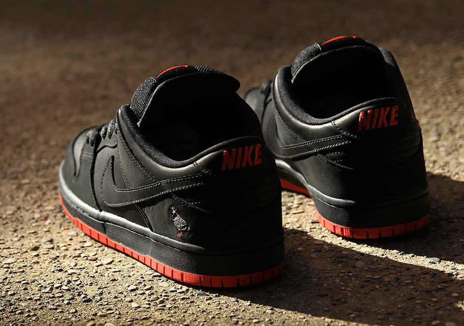 new style 32224 c1d3f Nike Sb Dunk Low Release Date  November 11, 2017  110. Color   BLACK BLACK-SIENNA