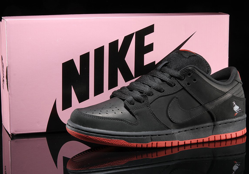 "Nike ""Pigeon Dunk"" Release in NYC: NYPD Shuts Down Line Hundreds Deep"