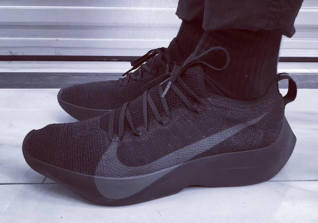 ... that bears striking resemblance to a highly-exclusive performance model  of the past. Images of the upcoming Nike Vapor Street Flyknit have  surfaced, ...