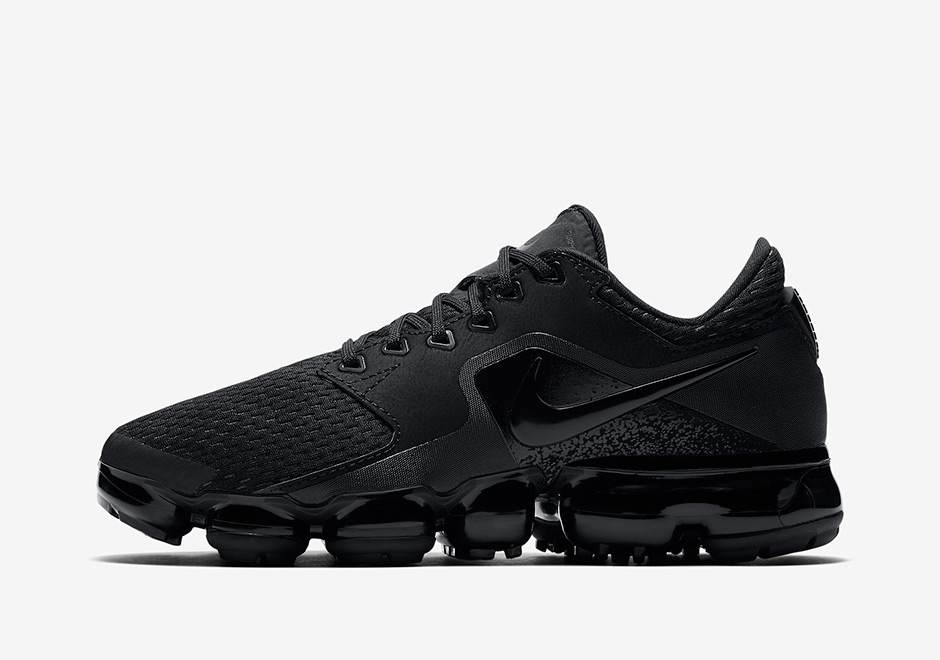 1e51c41f8ae Nike VaporMax CS AVAILABLE AT Nike  155. Color  Dark Sky Blue Thunder Blue Midnight  Navy Racer