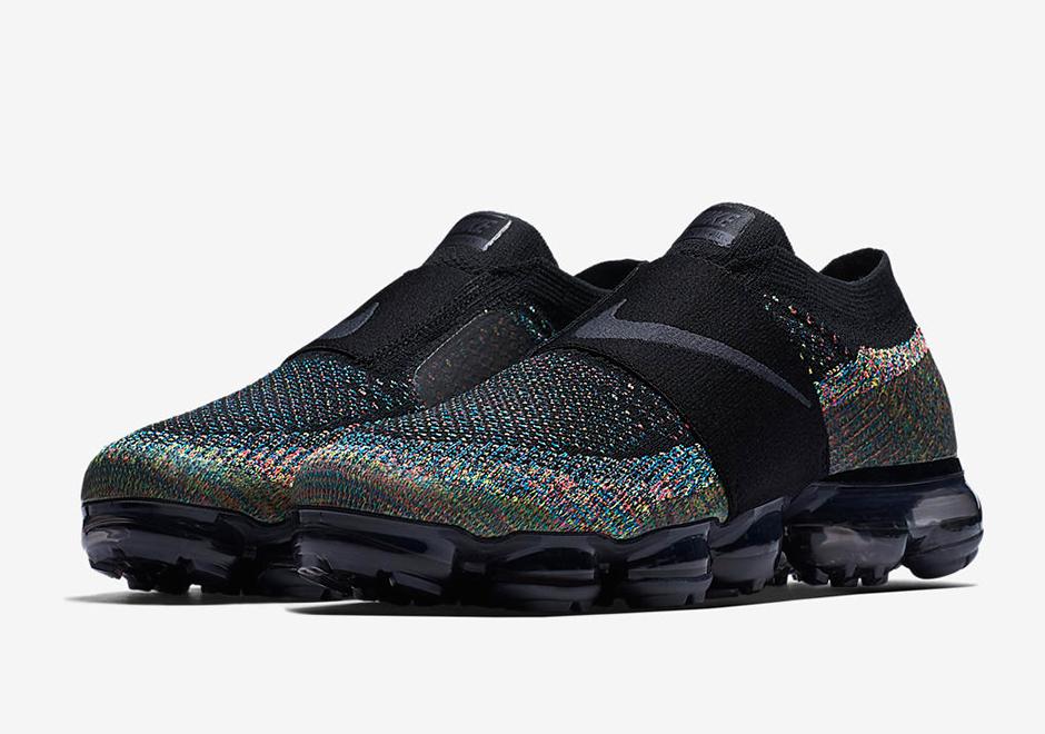 Nike Vapormax Moc Triple Noir and
