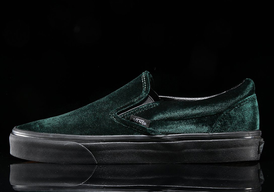 6f7c51ed2715 ... ends Thanksgiving is skipped over entirely and the Christmas season is  in full effect. That seems to be the case with Vans this year as a green  velvet ...