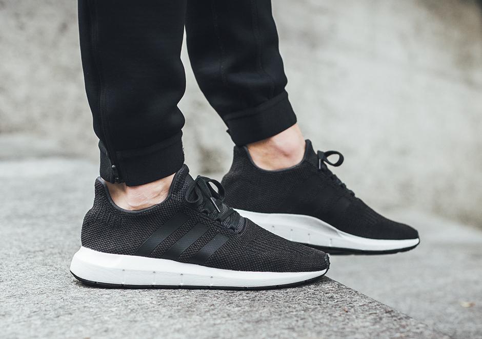 ea87574f70f8a adidas Swift Run Color  Carbon Core Black Medium Grey Heather