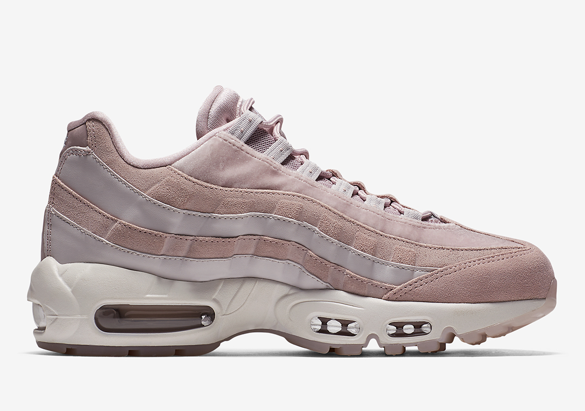 nike air max 95 deluxe particle rose wmns aa1103 600. Black Bedroom Furniture Sets. Home Design Ideas
