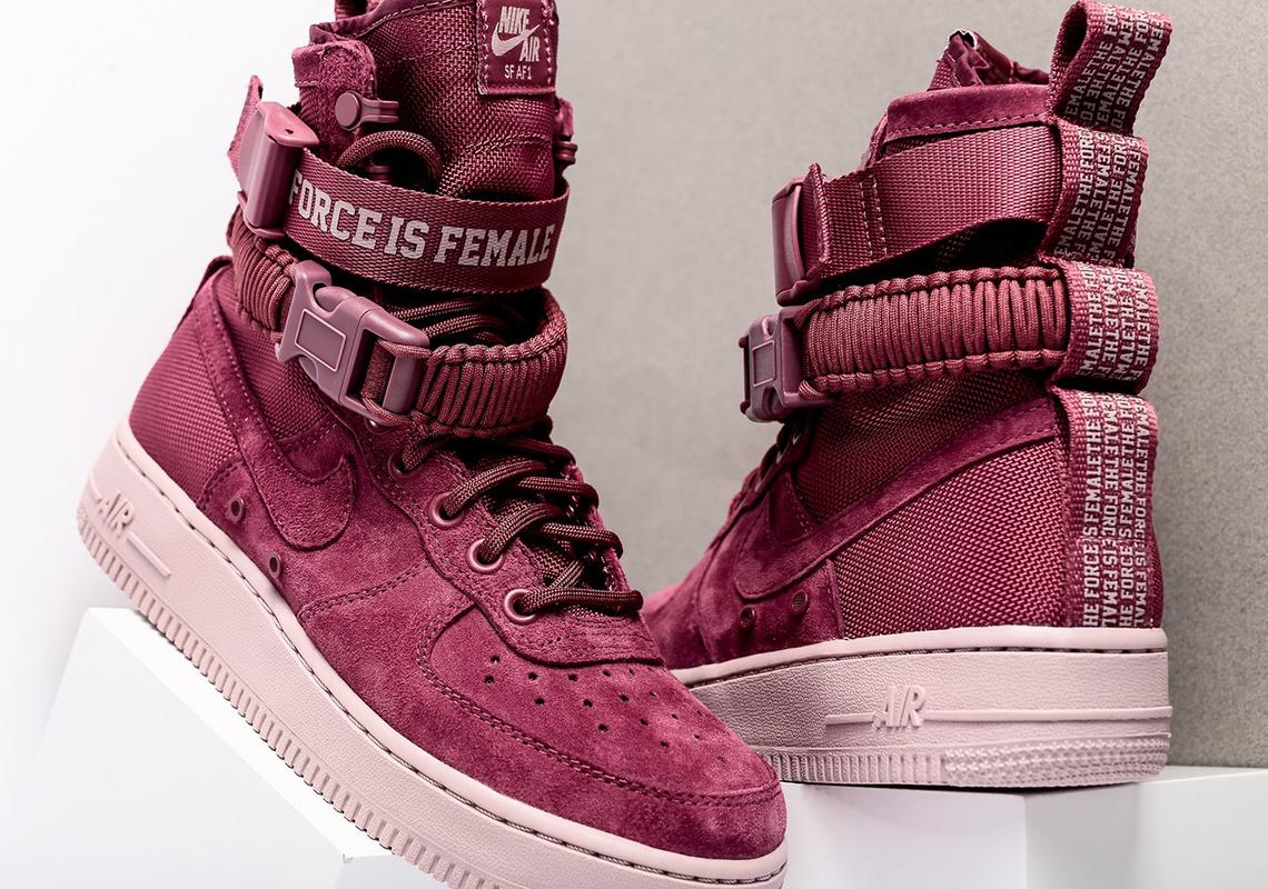 Nike SF-AF1 Force is Female WMNS AJ1700