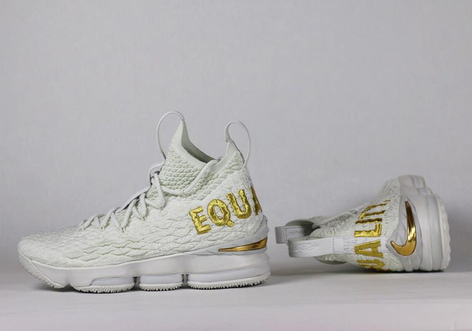 reputable site e0fa4 0ba73 LeBron James Sports Alternate White/Black Nike LeBron 15 ...