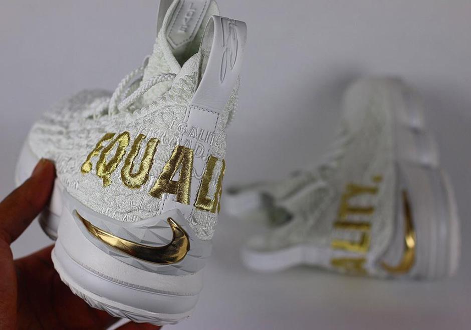 reputable site 494eb 3df7f LeBron James Sports Alternate White/Black Nike LeBron 15 ...