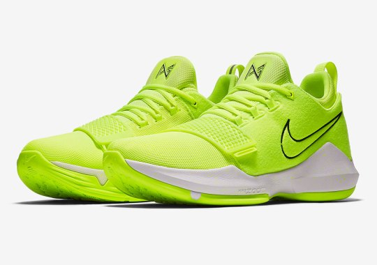 e5780ac22fa Paul George s Nike PG1 Lights Up With Neon Volt