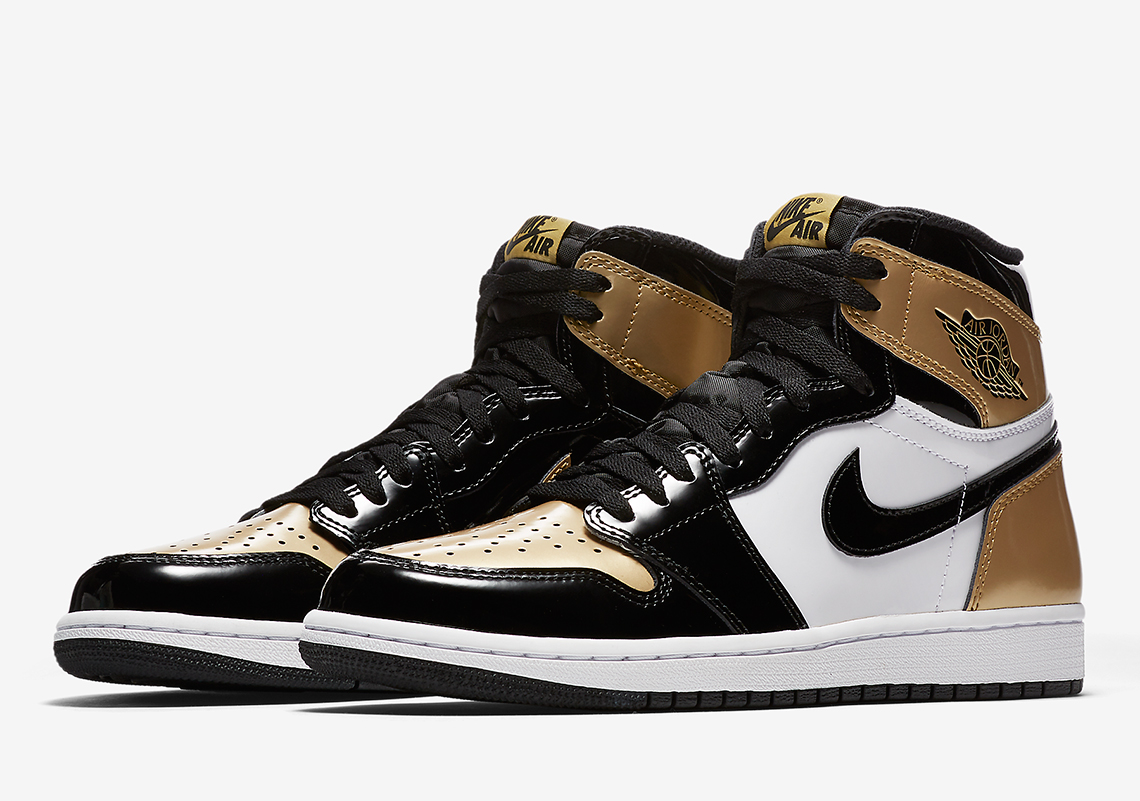 "Official Images Of The Air Jordan 1 Retro High OG ""Gold Toe"""