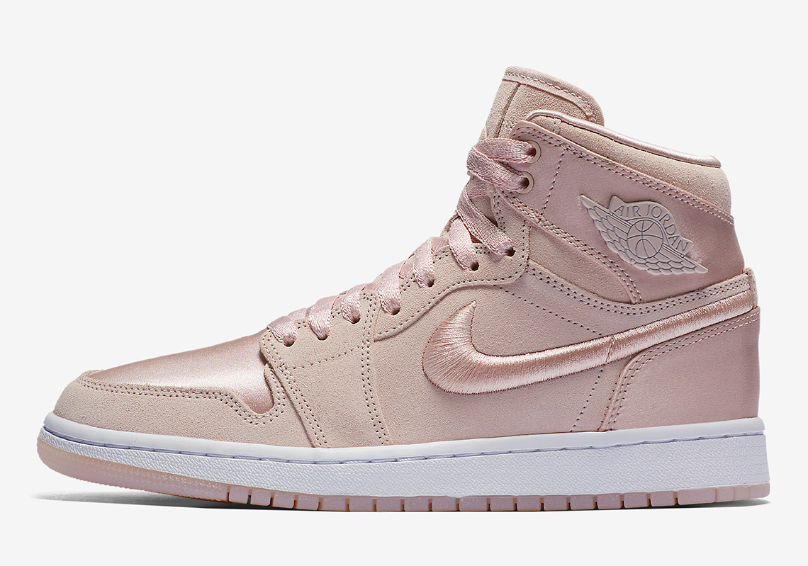 size 40 0e04c c7af9 Sizing  5-12 womens  160. Advertisement. Air Jordan 1 Retro High SOH  Release Date  January ...