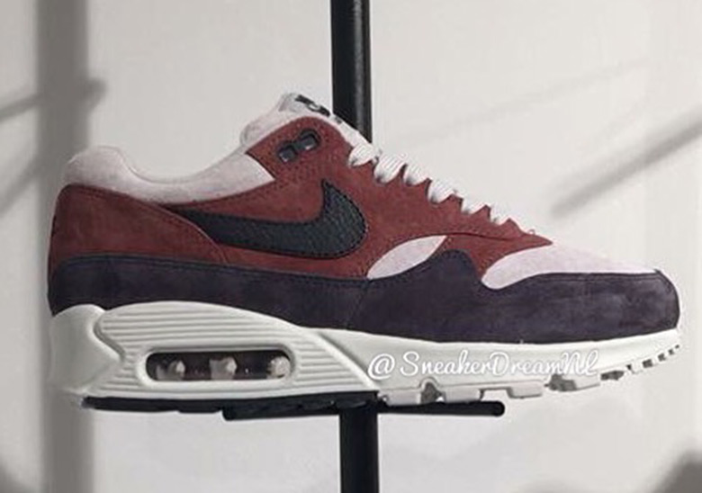 official photos ee50d a1ba4 ... Nike Air Max 90 1. Release Date September 1st, 2018 140. Color Red ...