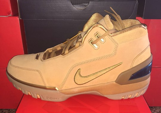 2c0933ac361 Nike Shoe Air Zoom Generation - LeBron James First Shoe ...