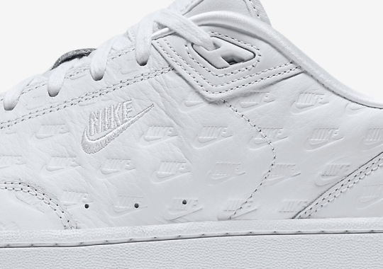 """Nike Brings The """"All Over Logo"""" Look To The Grandstand II"""