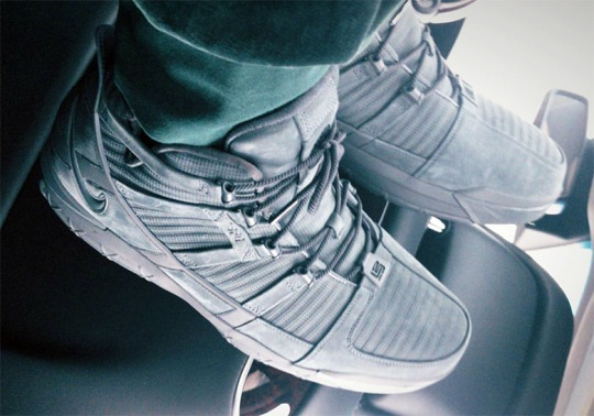 "LeBron James Reveals Nike LeBron 3 ""Cool Grey"" PE"