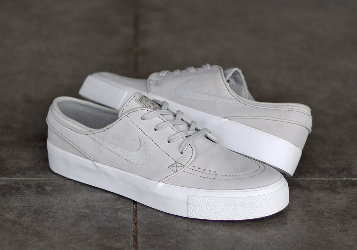 newest a5035 87147 Advertisement. Nike SB Zoom Janoski HT