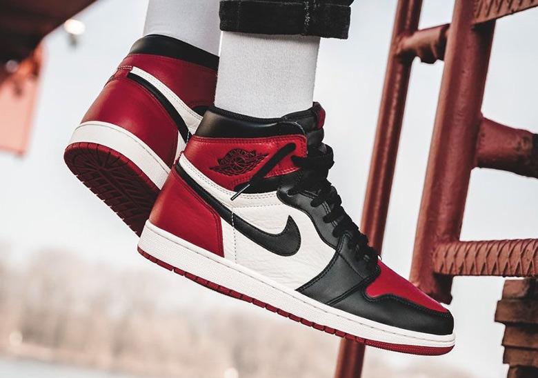 145acac030628a Air Jordan 1