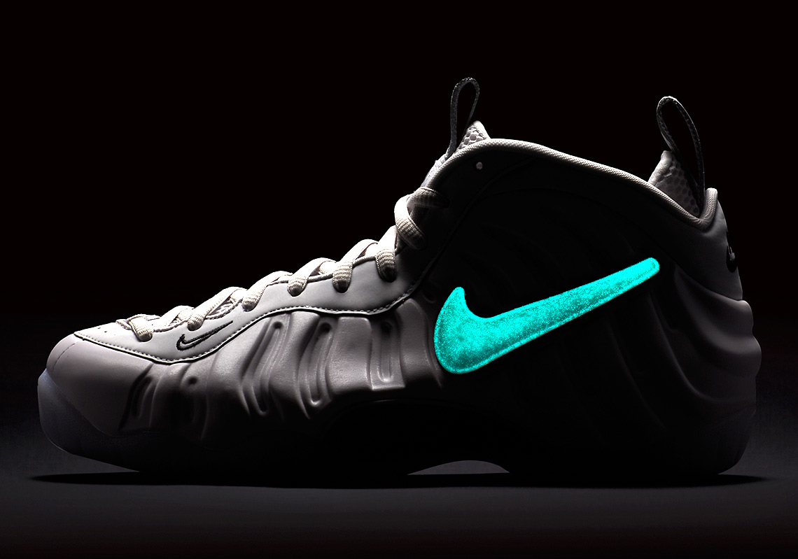 the latest f2e08 bf2e2 Glow-In-The-Dark Swoosh Logos Appear On The Nike Air Foamposite Pro