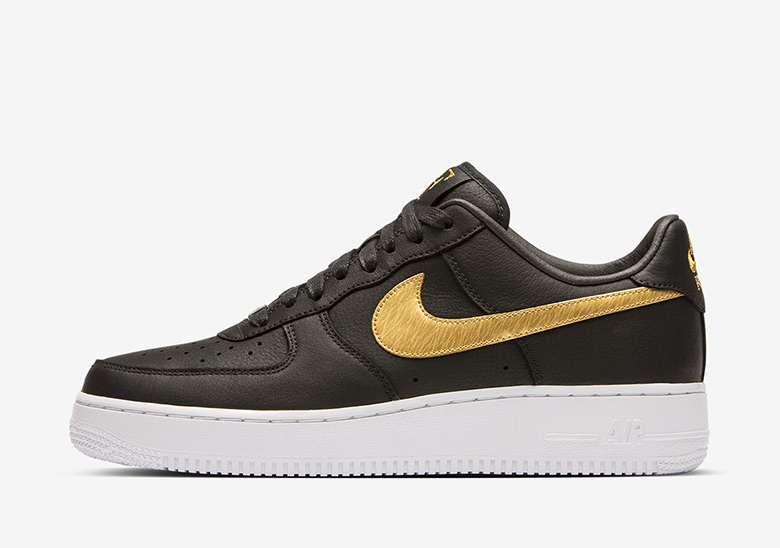 Nike Honors Roger Federer's #1 Ranking With One-of-One Air Force 1