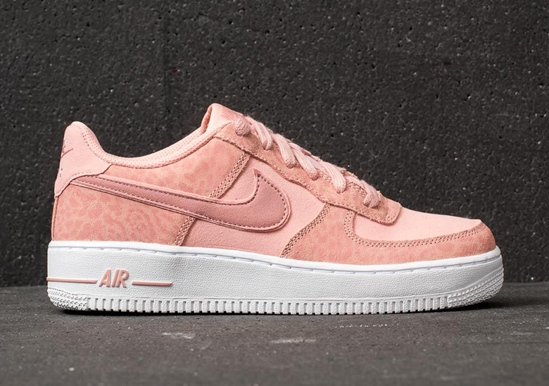 cheap for discount 9e4c0 eb3ae Nike Air Force 1
