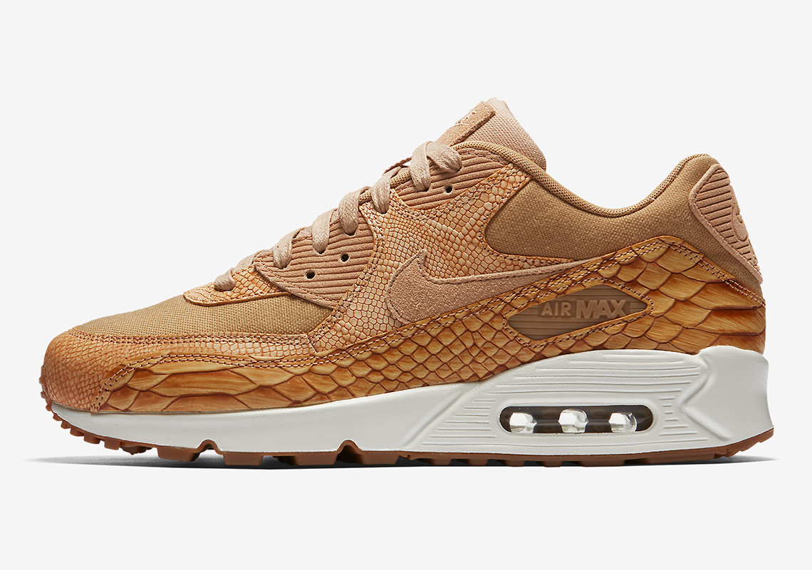 size 40 29195 83f3d The Nike Air Max 90 Goes Full Snakeskin