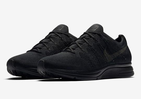 "Nike Flyknit Trainer ""Triple Black"" Is Coming Soon"