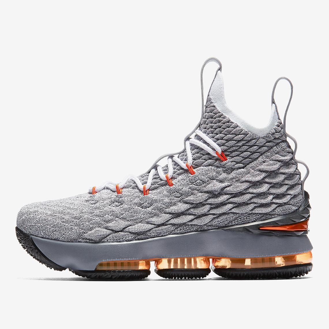 new product 992ea 2d10b Nike LeBron 15