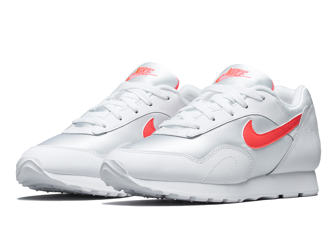 the latest 71a69 b01d4 Nike Outburst Release Date  March 1, 2018 (Korea)  110. Color  Solar Red