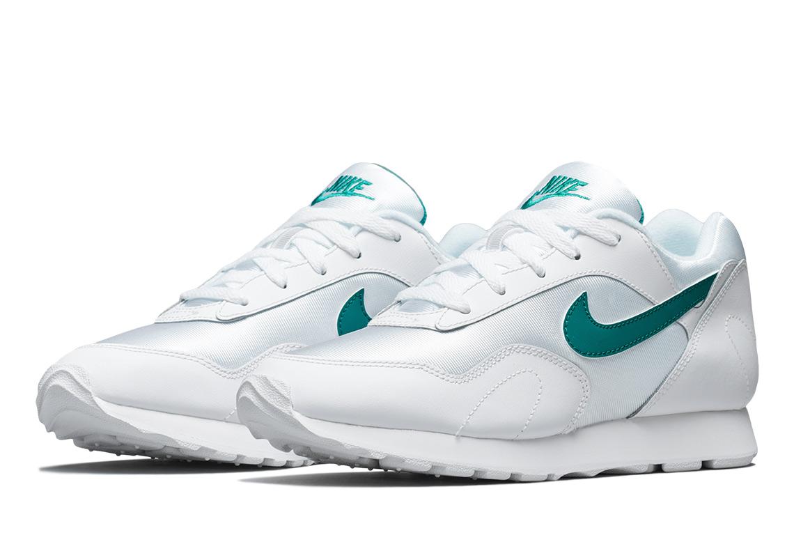 timeless design d6801 06ce7 Nike Is Bringing Back The Outburst OG