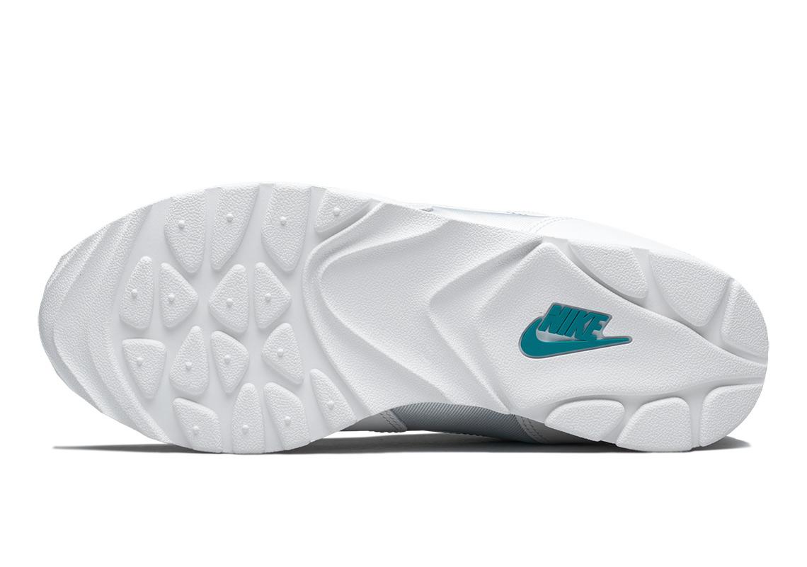 c0de874c403e Nike Outburst Release Date  March 1