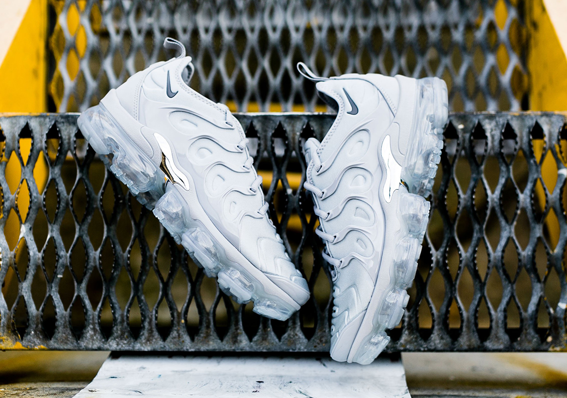 separation shoes 94643 1bec1 Nike Vapormax Plus Wolf Grey Available Now | SneakerNews.com