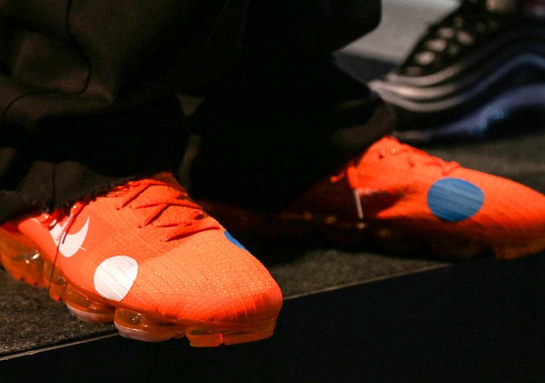 680d64ddc50e3 OFF WHITE x Nike Vapormax Orange First Look