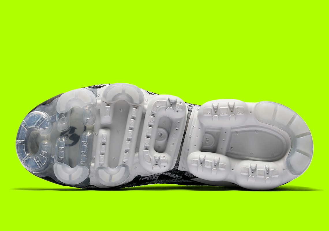 9667d776b7c7f7 ACRONYM x Nike Vapormax Moc Release Date  March 24th