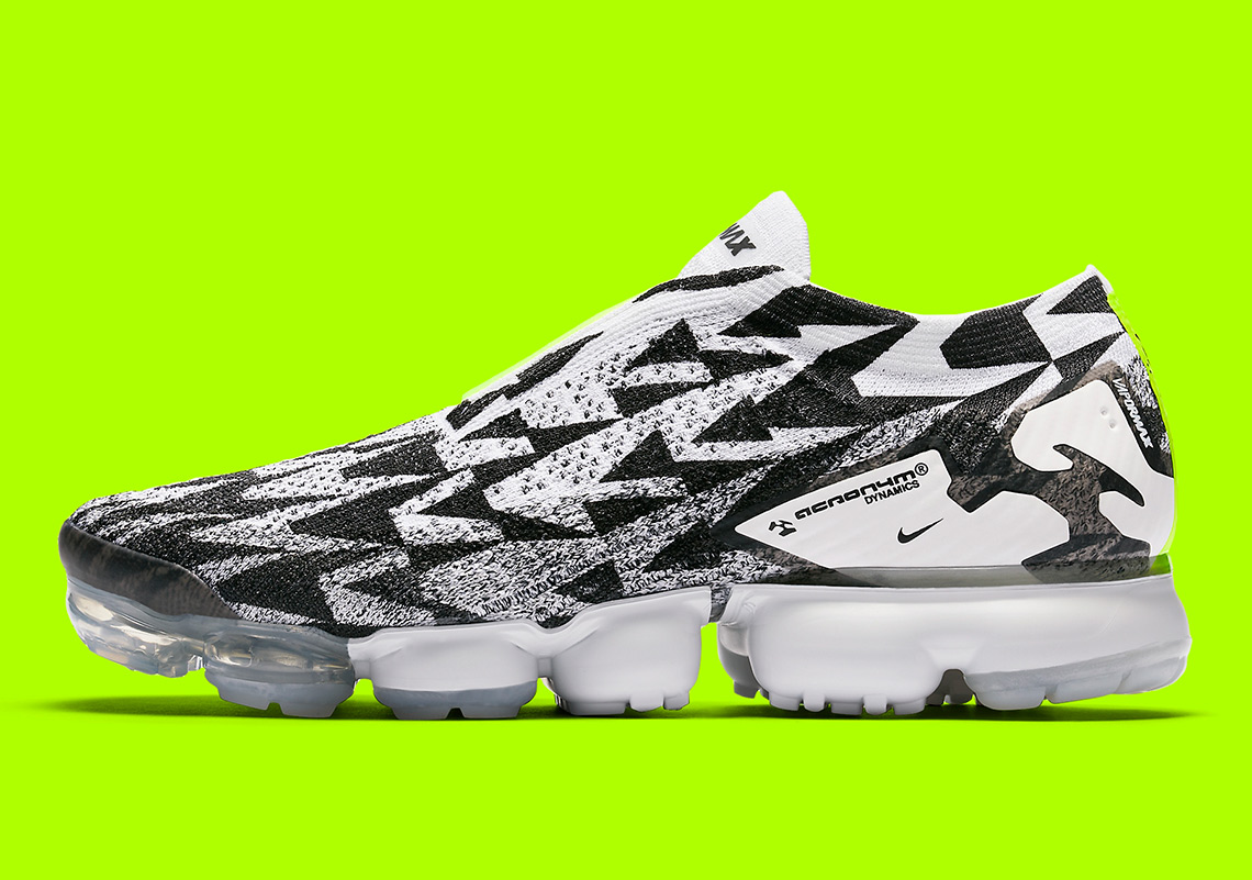 uk availability 4e8cc e208b ACRONYM x Nike Vapormax Moc Release Date March 24th, 2018. SNKRS Release  Date March 26th, 2018. Color Light BoneLight Bone-Black Style Code  AQ0996-001