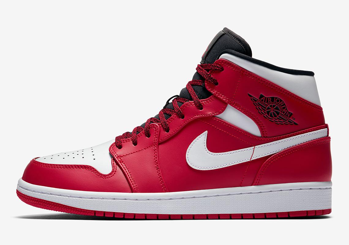 sports shoes 690ac 5e07b Air Jordan 1 Mid