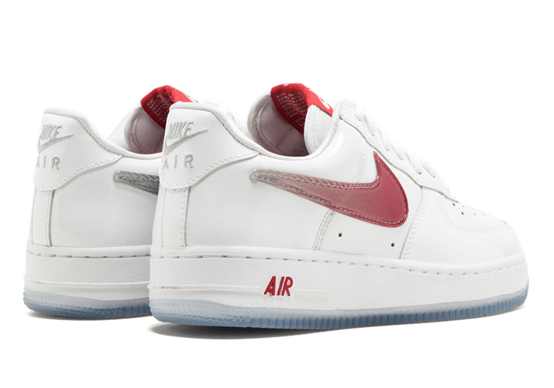 "... second drop of the Air Force 1 ""Taiwan."" However if you can't wait and you've got some big feet, you can pick up a pair right now at Stadium Goods."