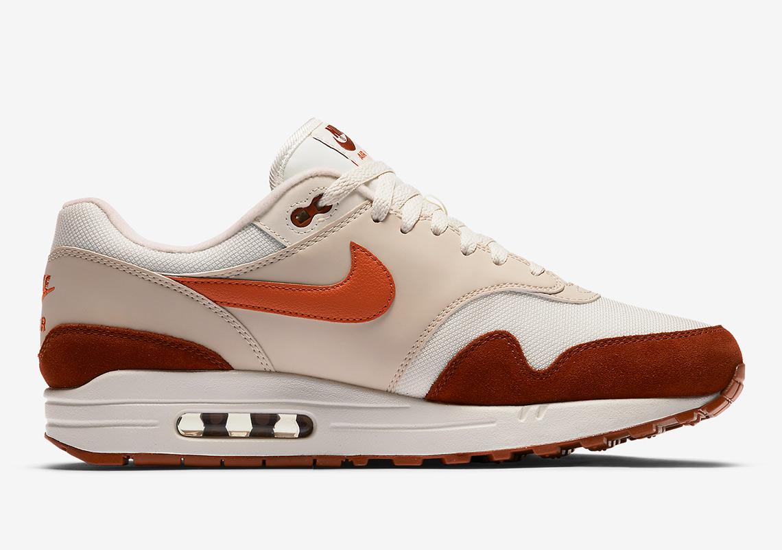 buy popular 3bd3c 59122 Nike Air Max 1