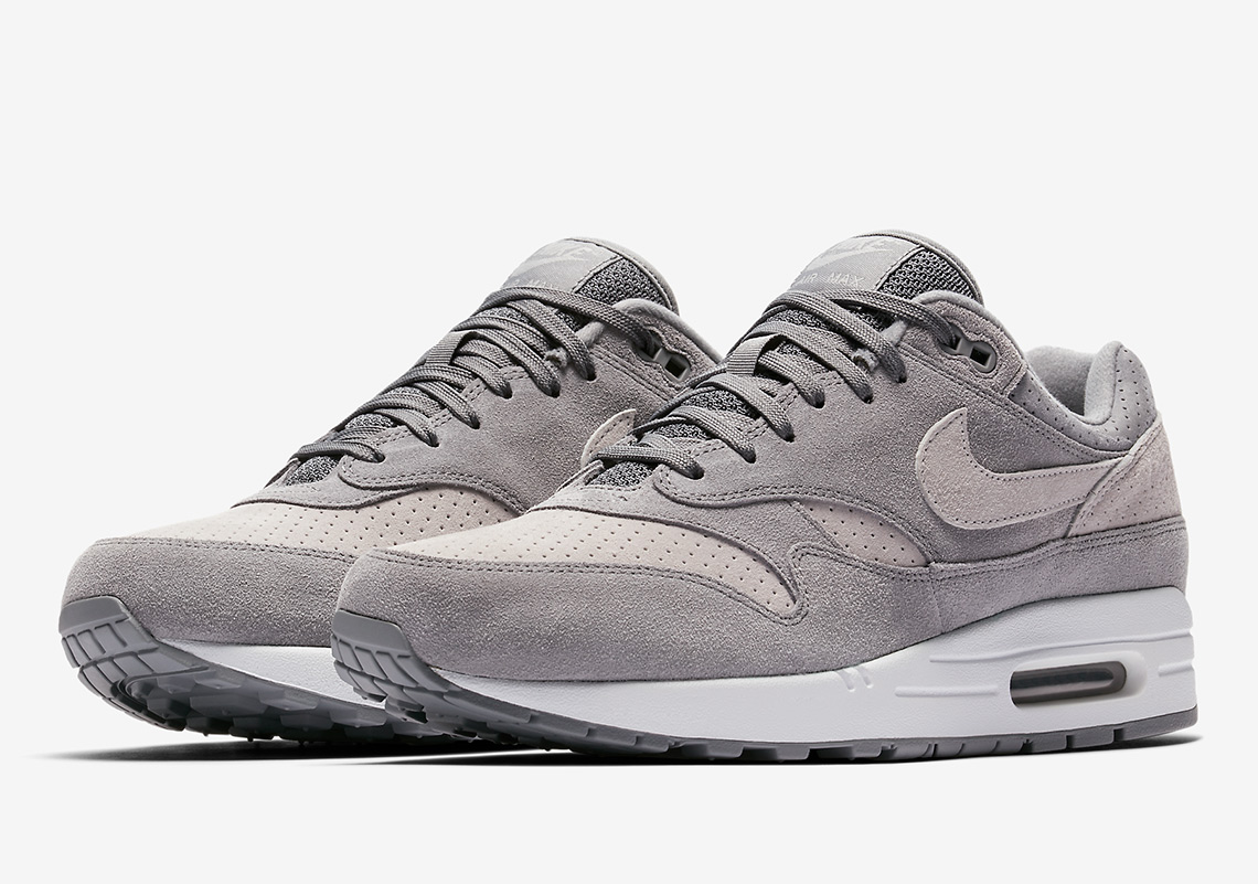 nike air max 1 black and white suede