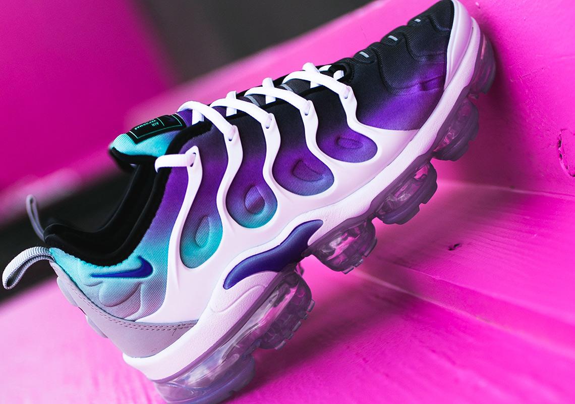 big sale 595b4 01b32 Nike Vapormax Plus Aqua Blue Purple | SneakerNews.com