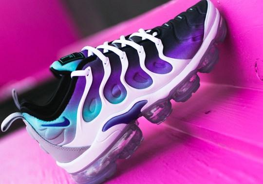 "Nike Adds ""Aqua"" Colors To The Vapormax Plus"