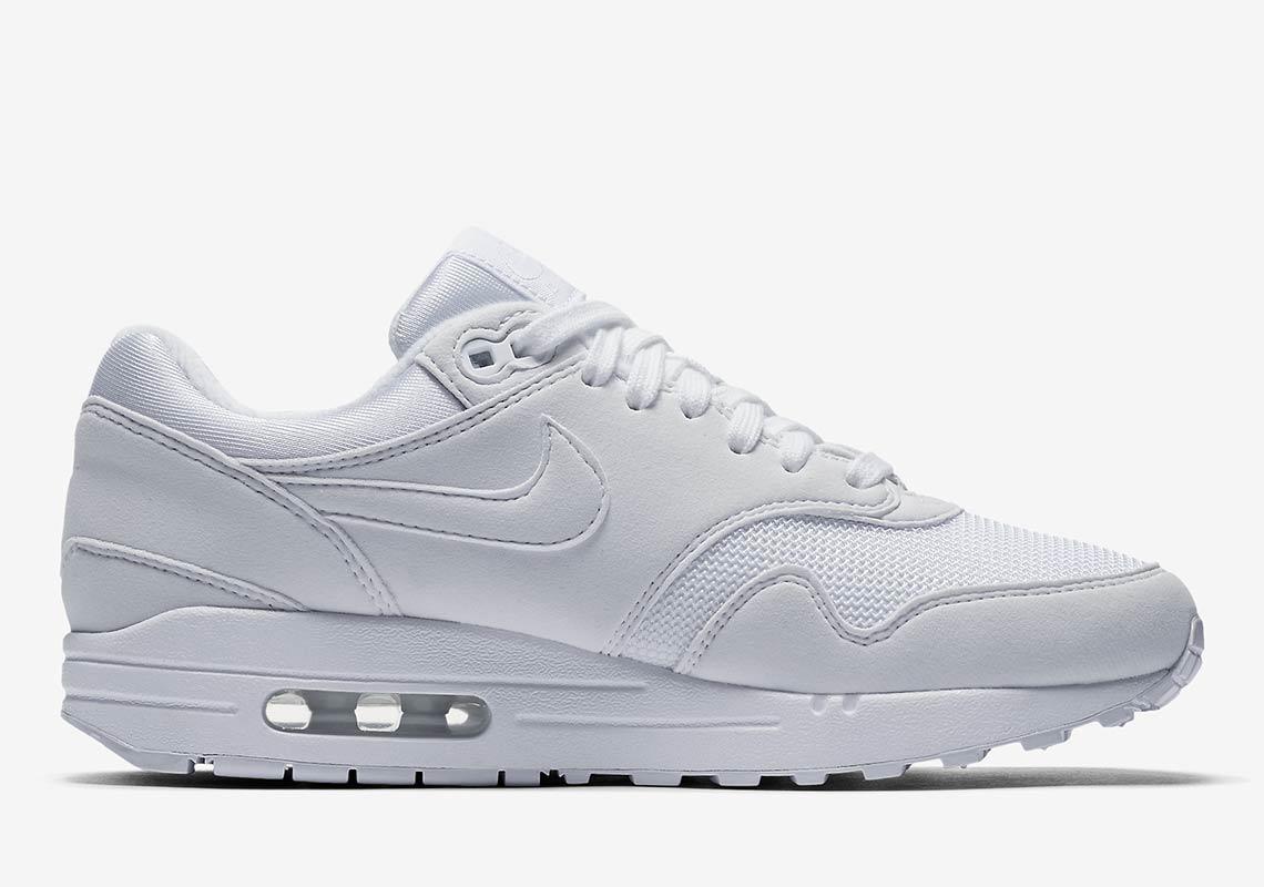 all white air max 1