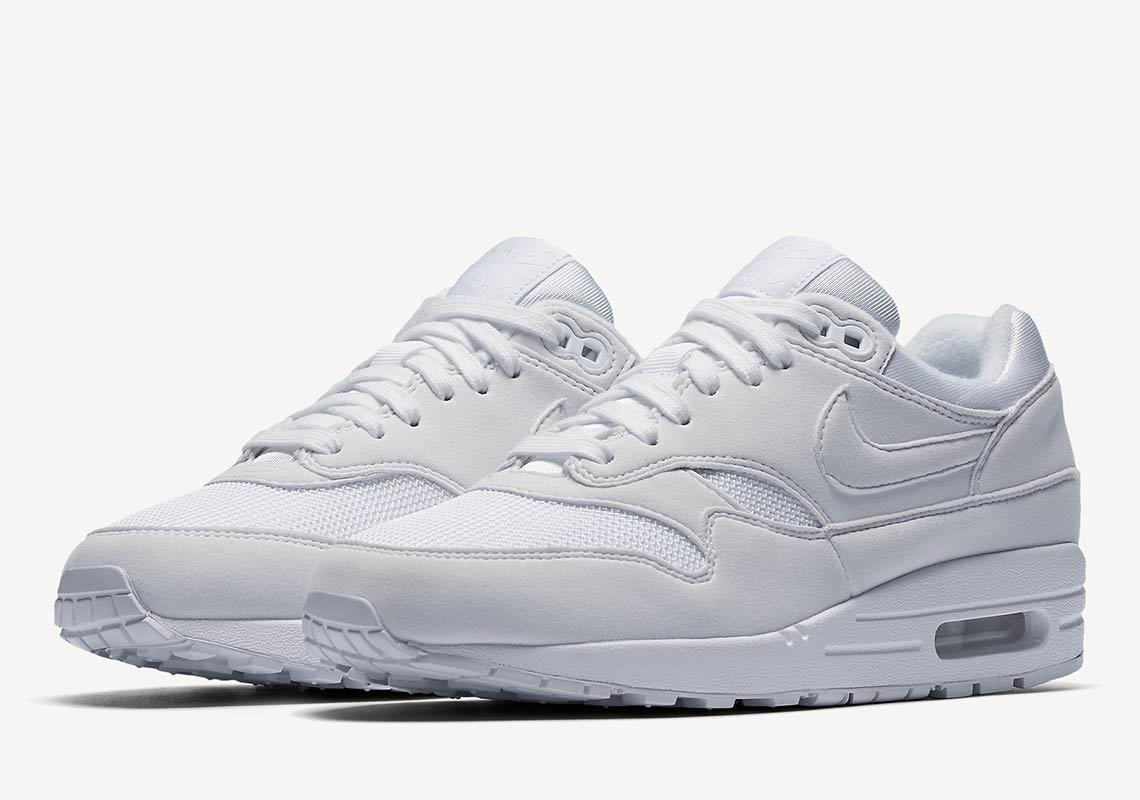 white air max 1